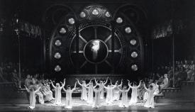 Η πρεμιέρα της Κάρμινα Μπουράνα στις 6 Ιουνίου 1937.