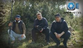 Ο σκηνοθέτης Βασίλης Τσικάρης (δεξιά) στην διάρκεια των γυρισμάτων.