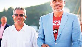 Ο Αλβανός πρωθυπουργός Έντι Ράμα με τον μισέλληνα δήμαρχο Χειμάρρας Γιώργο Γκόρο.