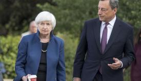 Τζάνετ Γιελέν και Μάριο Ντράγκι, επικεφαλής των Κεντρικών Τραπεζών ΗΠΑ και ΕΕ.