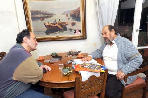 Ο σκηνοθέτης Ηλίας Μαχαίρας με τον Γιώργο Πισσαλίδη.